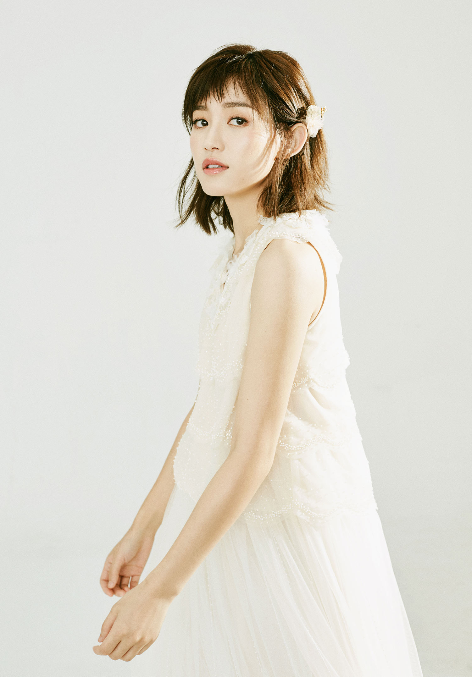 """苏青曝唯美大年夜片 诠释""""新娘""""look仙气实足"""