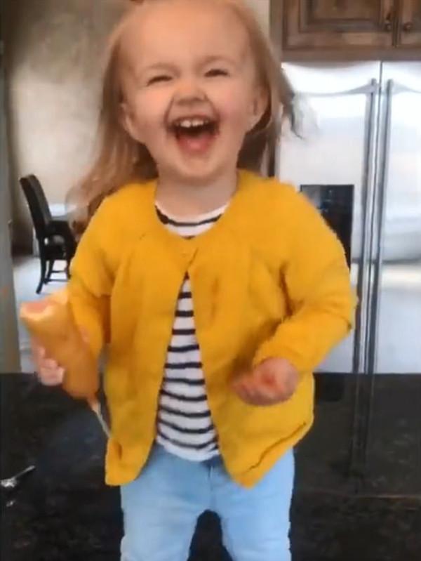 超带感!美国小萝莉跳舞瞬间圈粉无数