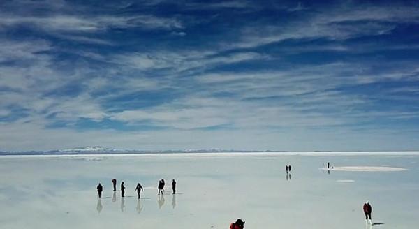 """画面太美!无人机航拍玻利维亚""""天空之境"""""""