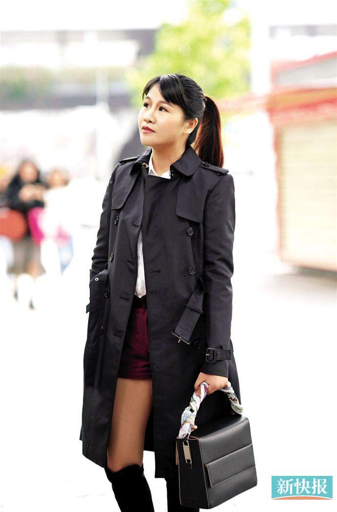 男装元素中和女性特质 时髦不落伍