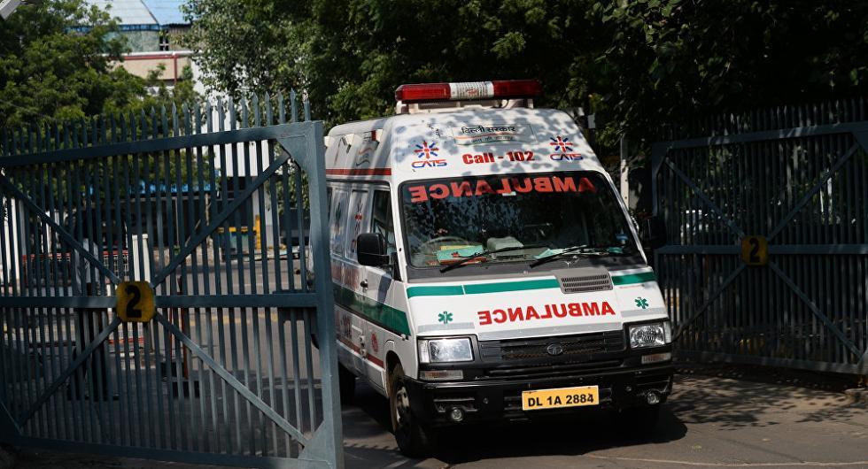 印度卡车冲撞婚礼人群致13死15伤 伤者含新娘
