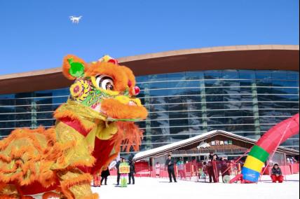 富龙冰雪小镇爆发文化魅力,秧歌大赛舞出红火中国年