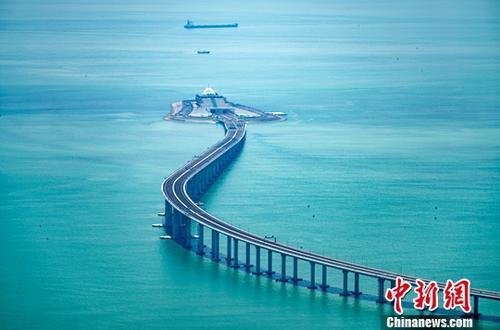 香港经济学界:大湾区料成中国经济发展新引擎