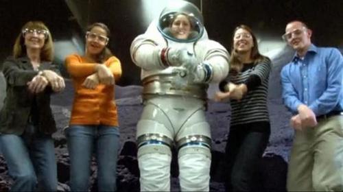 NASA招募火星宇航员:需要一个搞笑的鼓舞士气