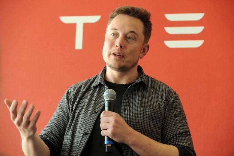 马斯克:特斯拉年底将实现完全自动驾驶