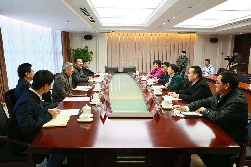 全国工商联副主席樊友山会见贵州省黔西南州代表