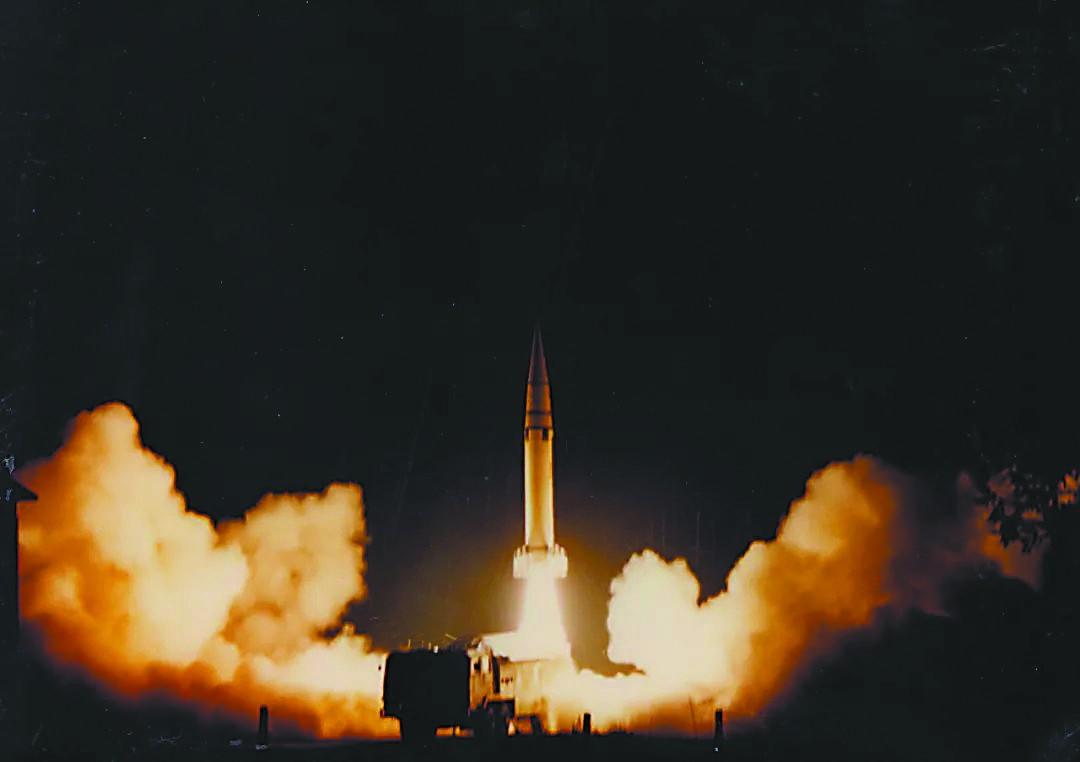 中国火箭发射基地_火箭军公布台海危机时东风15发射照引台媒关注_军事_环球网