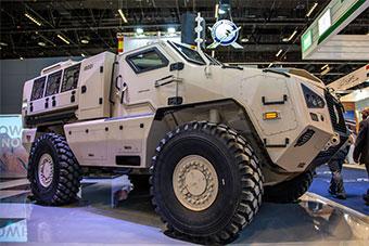 南非自研新型装甲车首次亮相阿布扎比防务展