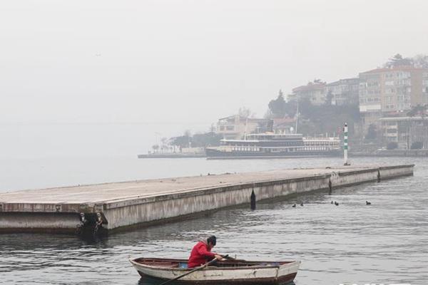 伊斯坦布尔遇大雾 数次航班被取消