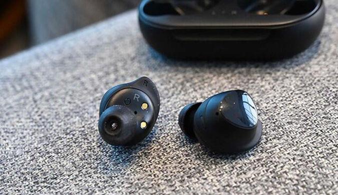 超越AirPods 三星推出新款无线耳机Galaxy Buds