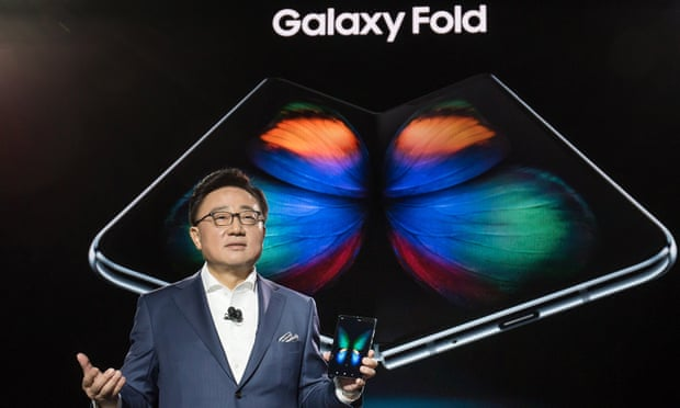 英媒评Galaxy Fold:外观引人注目 价格令人堪忧