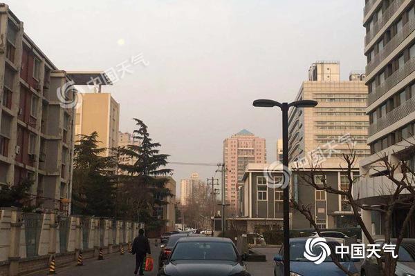 """北京启动重污染橙色预警 气温稳步上升霾""""扎心""""回归"""