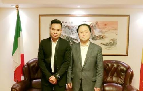外媒:发挥桥梁作用 中国驻佛罗伦萨总领事肯定意华媒贡献