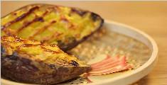 色泽金黄的奶香芝士红薯