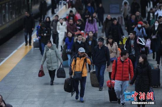 铁总:2月23日全国铁路预计发送旅客1305万人次