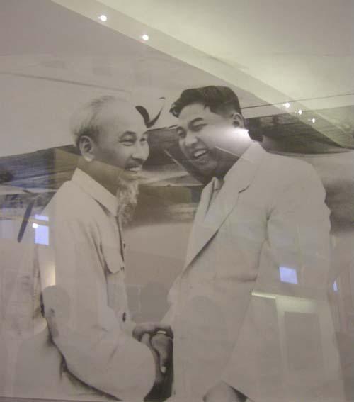 1958和1964,朝鲜领导人两次途经中国访问越南,线路是这样的……