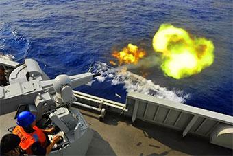 这艘常驻香港军舰火力全开让人印象深刻