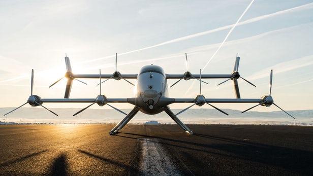 Vahana飞行车展示垂直起降和水平飞行之间转换能力