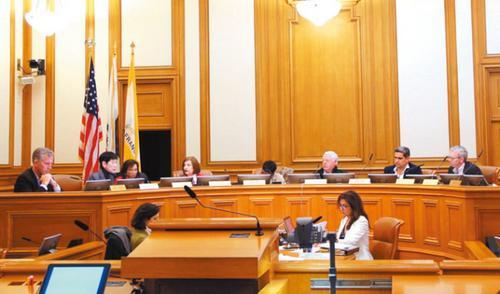 美媒:骆家辉力挺以旧金山已故华裔市长命名机场航站楼