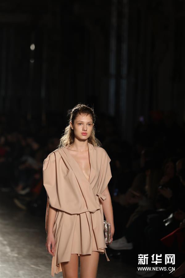 米兰时装周:Alberto Zambelli品牌发布2019
