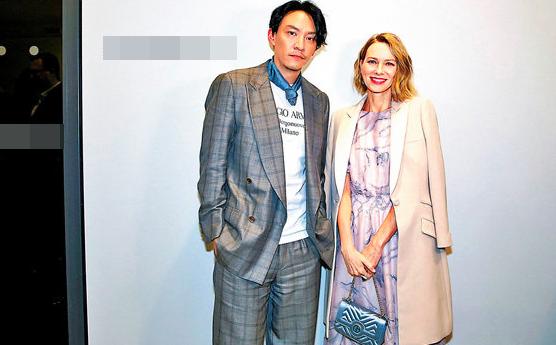 张震对于时尚更看重实用 与娜奥米交流经验