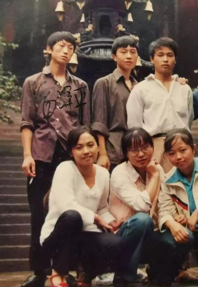 中国好同学!7人众筹资助瘫痪同学4年:我们也难但健康