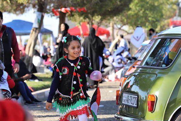 科威特迎来国庆日 民众在街头举行庆祝活动