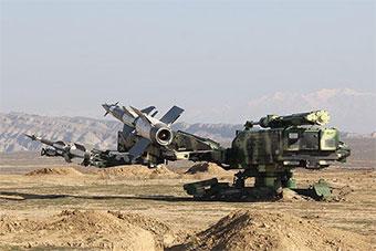 阿塞拜疆试射最新S125防空导弹 造型很奇特