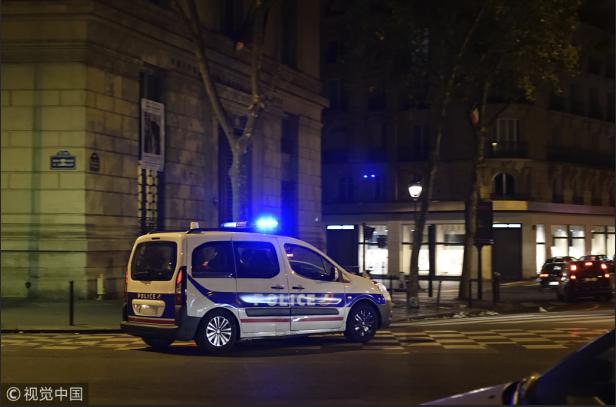 又有中国游客在巴黎遭遇抢劫 歹徒持枪进行威胁