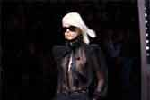 Yves Saint Laurent  黑色性感依旧!