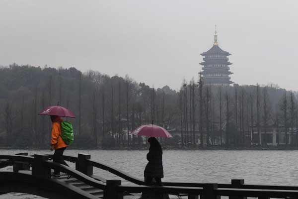 持续阴雨笼罩浙江杭城