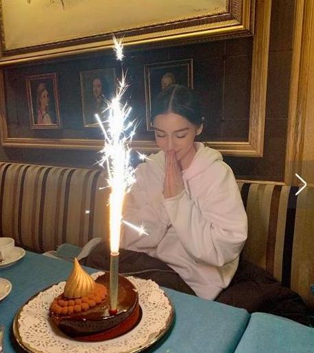 杨颖30岁生日,在巴黎提前为自己庆生,黄晓明却不在身边