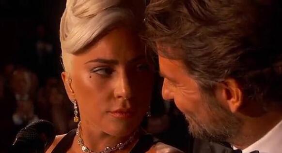 Lady Gaga回应与库珀的亲密表演 :只是朋友