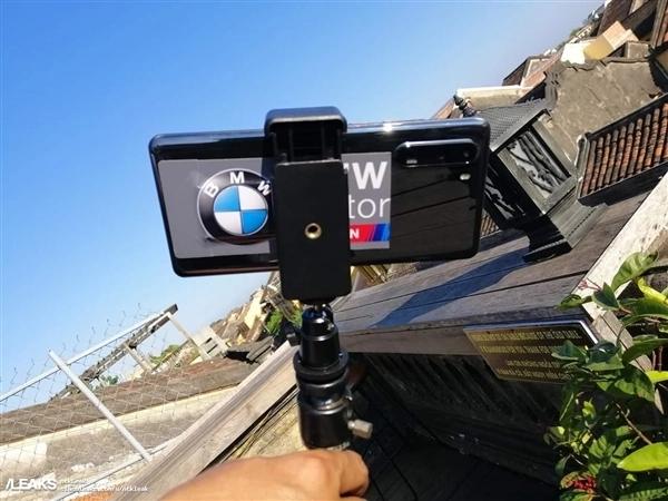 华为P30 Pro上手照曝光:玻璃机身 双排四摄