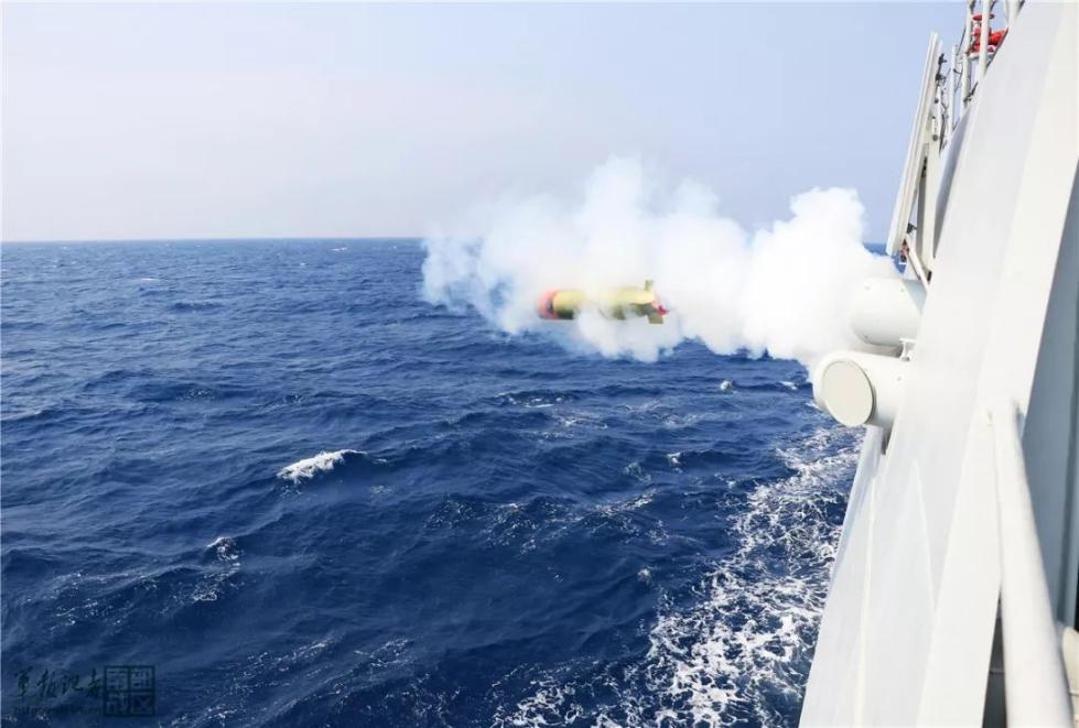 威武!海军广元舰南海开展实战化训练