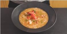 用一整只龙虾做份汤泡饭