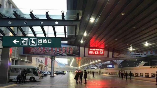 京外的全国人大代表陆续抵京