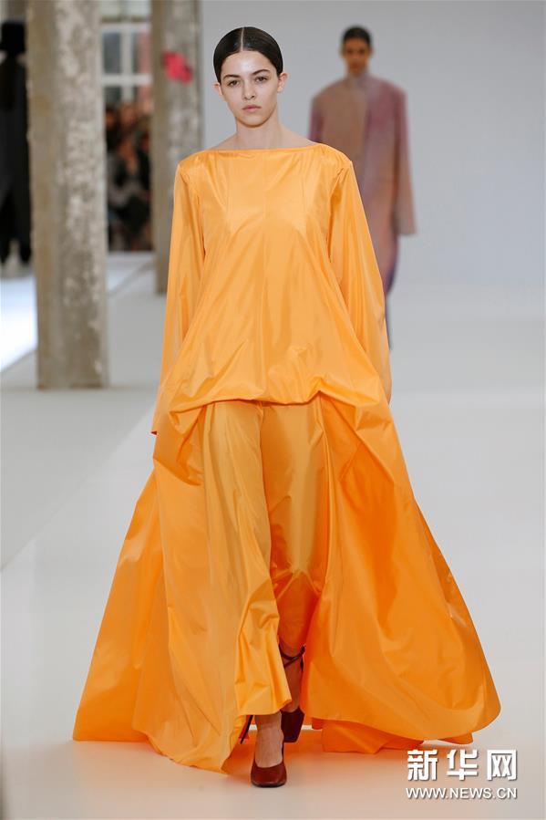 巴黎时装周:Nina Ricci发布新品成衣