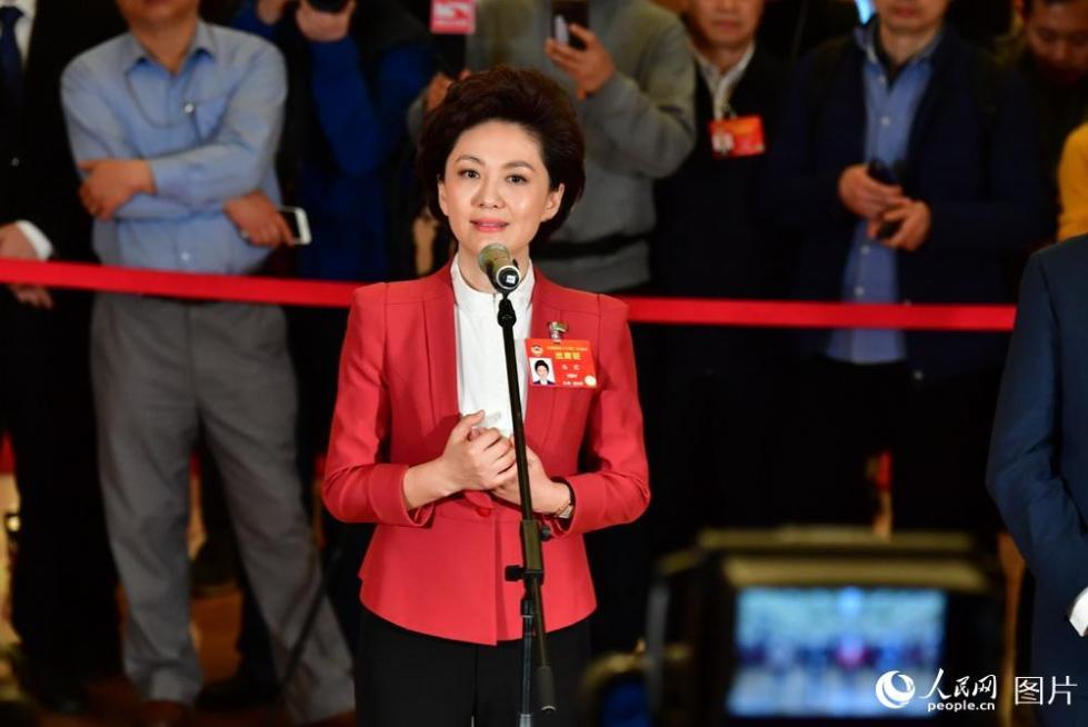 海霞委员:希望通过推广普通话助力脱贫