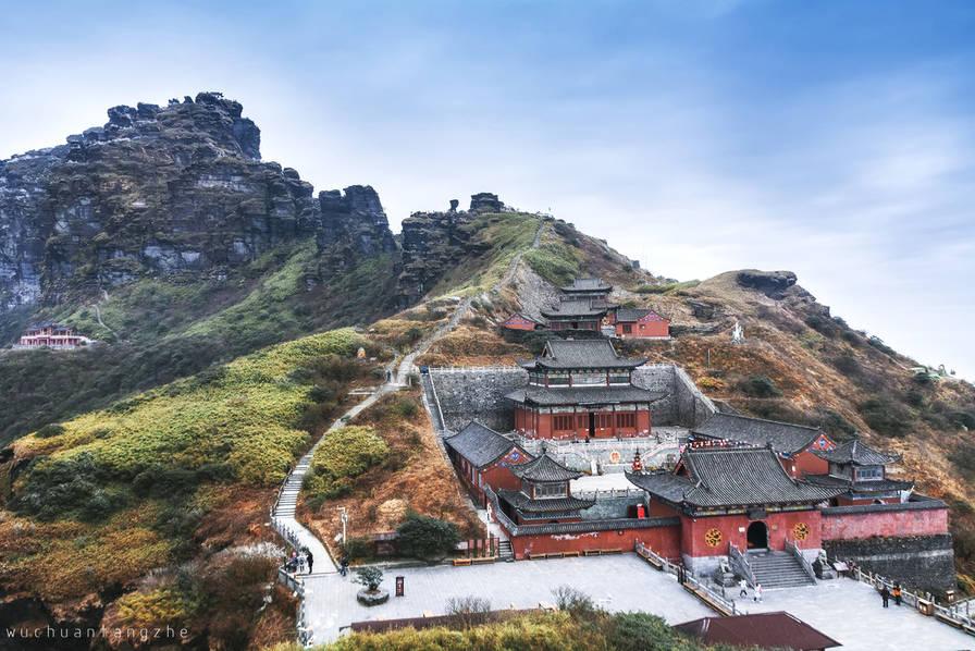 如何在有限的时间里看到最精彩的世界?前不久,美国《国家地理》杂志分别从城市、自然、文化和探索四个类别评出了2019年全球最值得一去的目的地,其中,贵州梵净山是中国唯一入选的旅游地。接下来,就让我们一起看看今年十大必去的地方,让每一次旅行都不留遗憾。