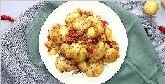 色泽金黄的香煎小土豆