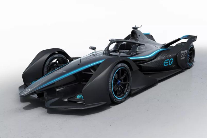 梅赛德斯·奔驰展示首款全电动赛车EQSilverArrow01