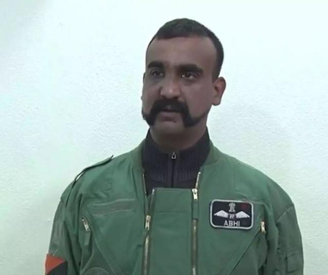 印度回国飞行员被全身扫描 以防植入窃听装置