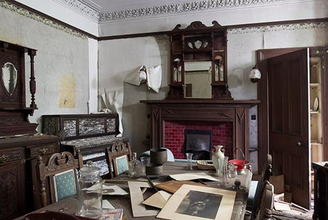 荒凉之美:法国摄影师镜头下的苏格兰废弃建筑