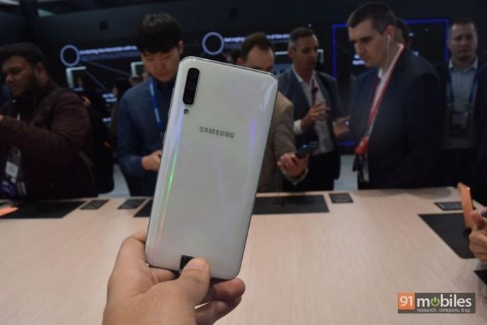 三星Galaxy A60宣传物 料曝光:4500mAh电池