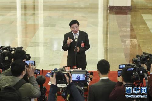 苗圩:今年年底前实现所有手机用户自由携号转网
