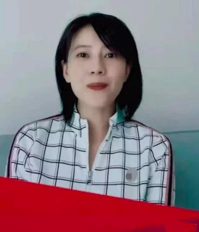 高圆圆露脸宣传视频,疑似为隐瞒怀孕,仅露上半身