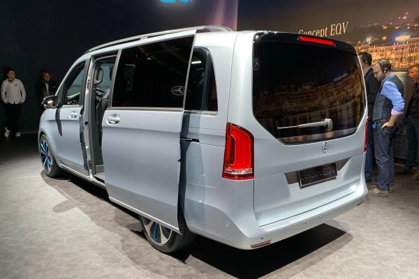 奔驰EQV概念车亮相 纯电MPV量产版9月揭晓