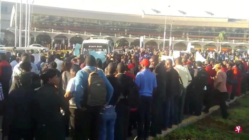 肯尼亚首都机场爆发劳资纠纷 大批旅客受困机场