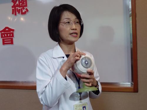 台媒:青光眼年轻化 台医师吁高危人群40岁起定期检查